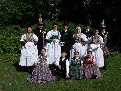 Braut, Brautjungfern und Mutterstellvertrterin_Hoyerswerdaer Tracht