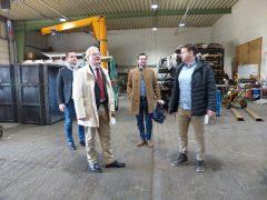 Oberbürgermeister Torsten Ruban-Zeh und Geschäftsführer Marco Kuschela (vorn), OB-Referent Christian Hoffmann und Wirtschaftsförderer Alexander Kühne (hinten)