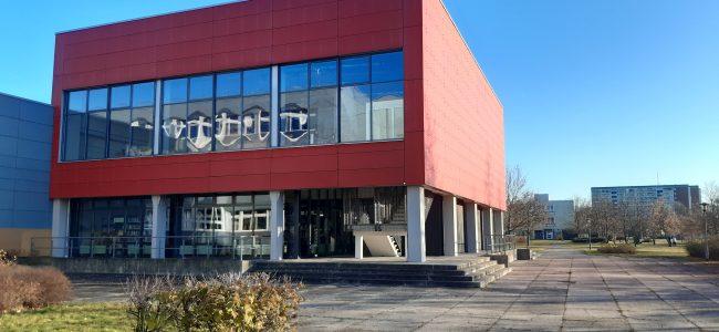 Aula des Foucault-Gymnasiums von außen