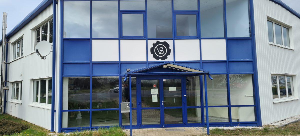 Vorderansicht Eingangsbereich VOL-Stahl