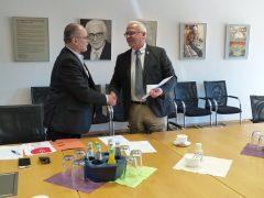 Der Kooperationsvertrag ist unterschrieben. Hoyerswerda tritt damit offiziell der Wachstumsregion Dresden bei.