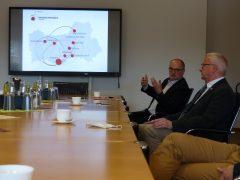 Roland Dantz erläutert den Entstehungsprozess der Wachstumsregion Dresden
