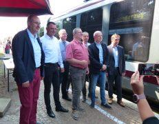 v.l.n.r.: Jörg Mühlberg, Udo Witschas, Torsten Ruban-Zeh, Roland Ermer, Frank Lehmann, Harry Habel, Aloysius Mikwauschk