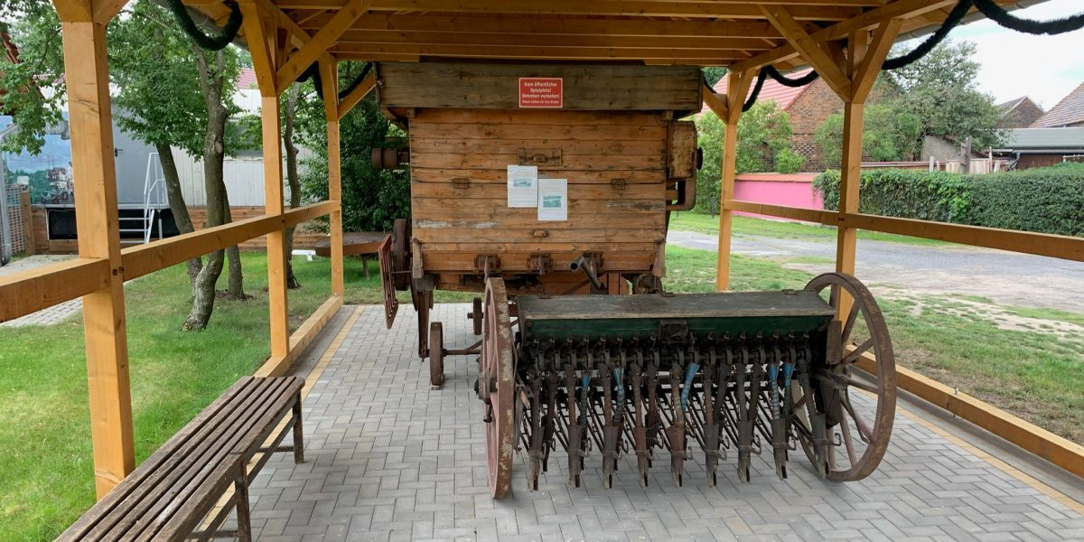 Dorfplatz Kühnicht (Carport)